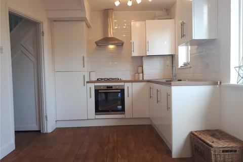 3 bedroom terraced house to rent - Westdean Avenue, London, SE12