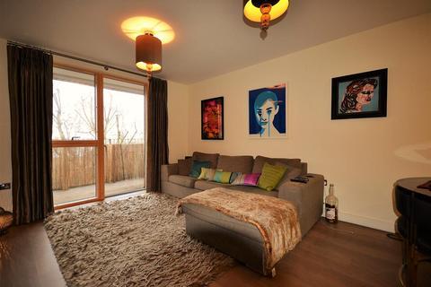 2 bedroom flat to rent - Burlington Green, Chiswick