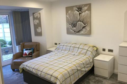 1 bedroom semi-detached house to rent - Staithes Road, Manchester, M22