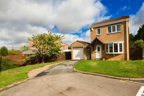 3 bedroom detached house for sale - Inglewood Avenue, Sothall, Sheffield, S20