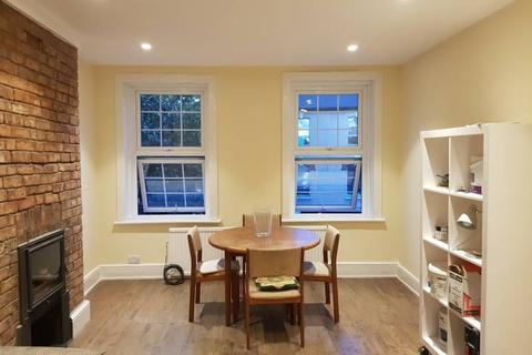 2 bedroom flat to rent - High Road, East Finchley, N2