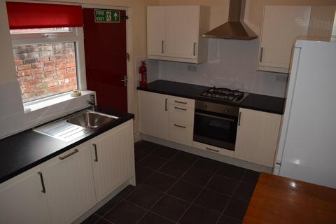 4 bedroom house to rent - Parkside Road, Manchester