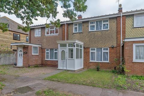 3 bedroom terraced house to rent - Sprotshill Close, Sittingbourne