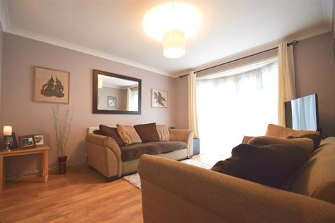 2 bedroom terraced house for sale - Cervia Way, Gravesend