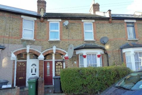 2 bedroom flat to rent - Hove Avenue, Walthamstow E17
