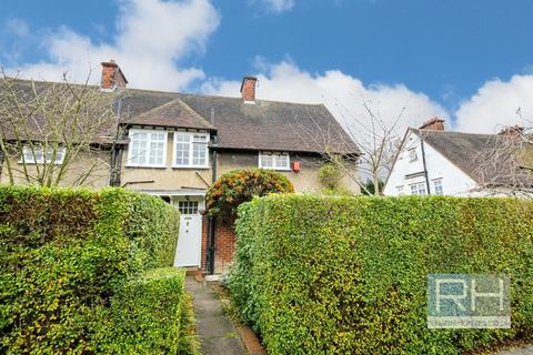 4 bedroom semi-detached house to rent - Midholm, London