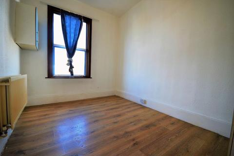 6 bedroom property to rent - Sebert Road, Forest Gate, E7