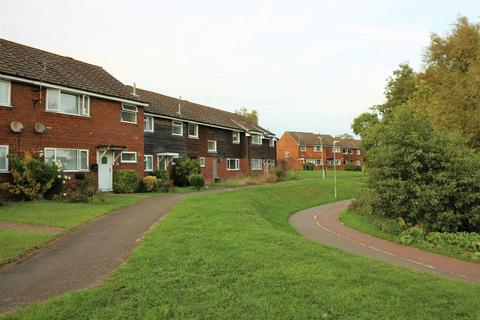 4 bedroom semi-detached house to rent - Bullied Place, Ashford