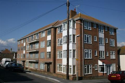 2 bedroom flat to rent - Cownwy Court, Park Crescent, Rottingdean, Brighton BN2
