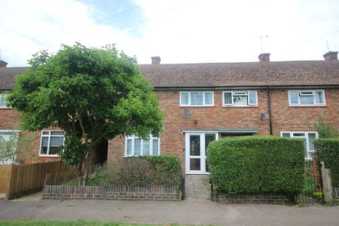 3 bedroom terraced house for sale - Taynton Drive, Merstham