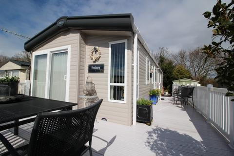 2 bedroom mobile home for sale - Solent Breezes Holiday Park