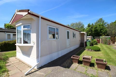 2 bedroom mobile home for sale - Fleet End Road, Warsash