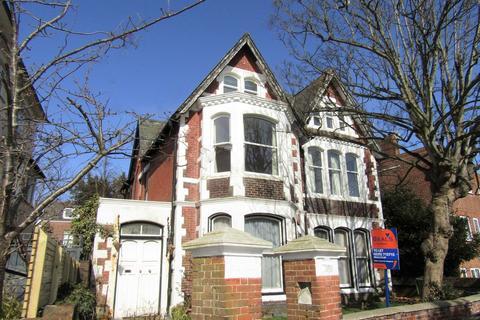 9 bedroom detached house to rent - Merton Road, Southsea