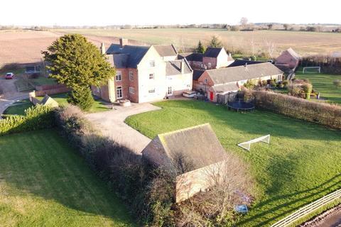 5 bedroom farm house to rent - Dunnimere Farm, Harlaston