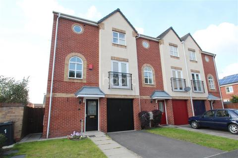 3 bedroom semi-detached house to rent - Pagett Close, NG15