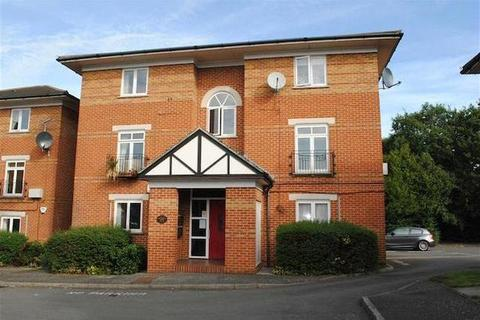 2 bedroom flat to rent - Halford Close, Halford Close, Burnt Oak, HA8