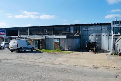 Warehouse to rent - Willments Industrial Estate, Hazel Road, Southampton, Hampshire, SO19