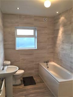 5 bedroom semi-detached house to rent - Cobham Road , Seven Kings , Ilford IG3