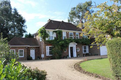 4 bedroom detached house for sale - Woodside, WIGMORE, Kent