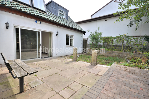 2 bedroom detached house to rent - West Road, Ealing W5 2QL