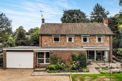 4 bedroom detached house for sale - St Marys Road, Surbiton