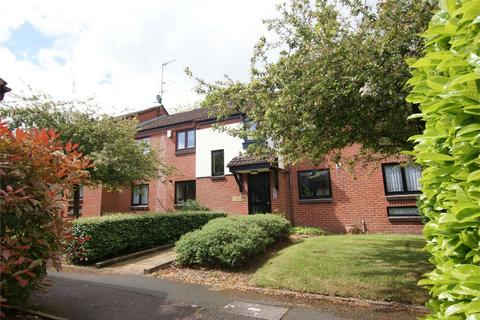 2 bedroom flat to rent - Spring Pool, Warwick