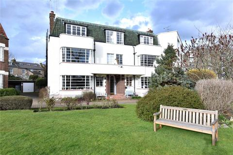 3 bedroom apartment for sale - Greenway Close, Finsbury Park, London, N4