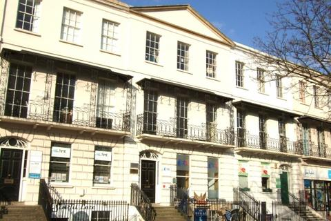 Office to rent - Crescent Terrace