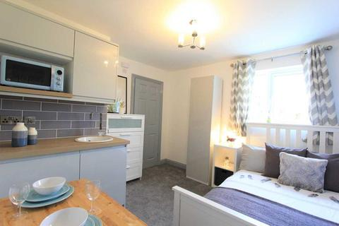 1 bedroom house share to rent - Queensholme Drive, Downend, Bristol