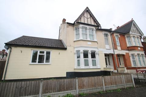 2 bedroom ground floor flat for sale - Westborough Road, Westcliff-On-Sea