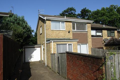 3 bedroom semi-detached house to rent - Marlow Way, Whickham, Whickham, Newcastle upon Tyne, NE16 5RQ