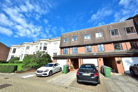 4 bedroom terraced house to rent - Harrow Fields Gardens, Harrow On The Hill, HA1