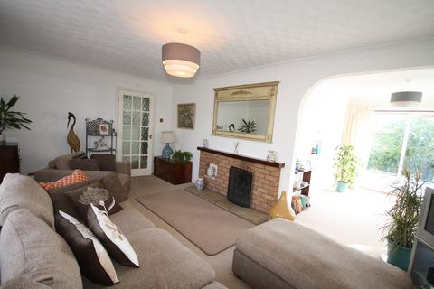 3 bedroom detached bungalow for sale - Sand Furrows, Ketton