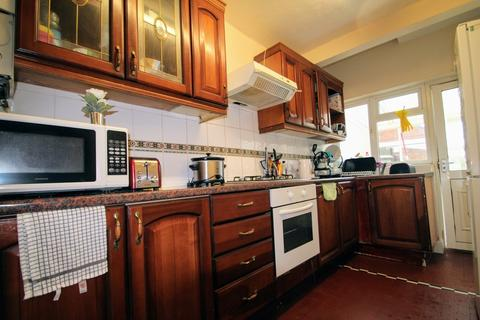 4 bedroom semi-detached house to rent - STUDENT LIVING in Headington