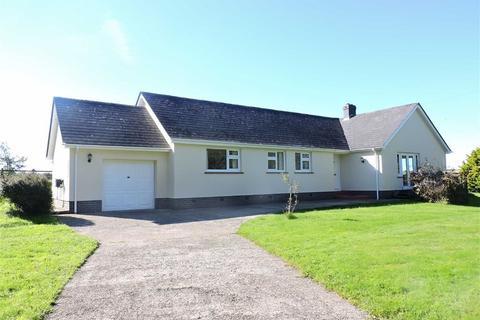 3 bedroom detached bungalow for sale - Wolfscastle, Nr Welsh Hook