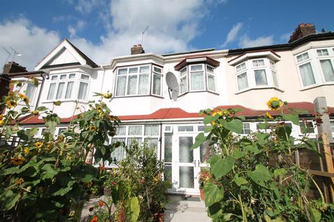 3 bedroom house for sale - Hedge Lane, Palmers Green, London N13