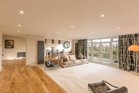 3 bedroom flat for sale - Montagu Court, Gosforth, Newcastle upon Tyne