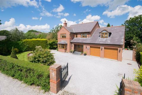 5 bedroom detached house for sale - Red Road, Buckley
