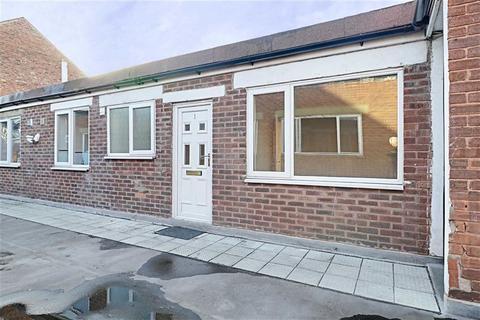 2 bedroom flat to rent - High Street, Bloxwich, Walsall