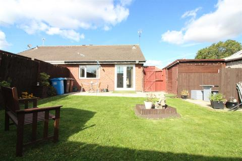 2 bedroom semi-detached bungalow for sale - The Queensway, Hull