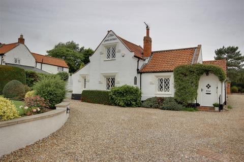3 bedroom detached bungalow for sale - West Ella Road, West Ella, Hull
