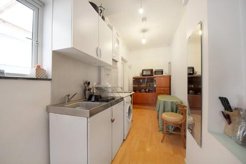 3 bedroom flat to rent - Gunnersbury Lane, W3