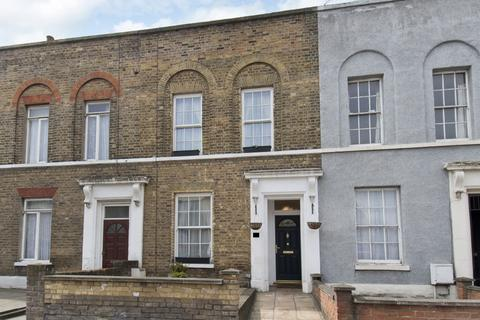 3 bedroom terraced house to rent - Fairfield Road, London, E3