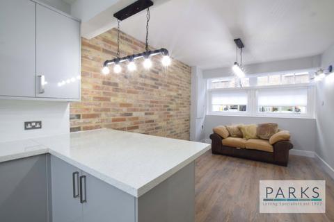 3 bedroom terraced house to rent - Cambridge Grove, Hove, BN3