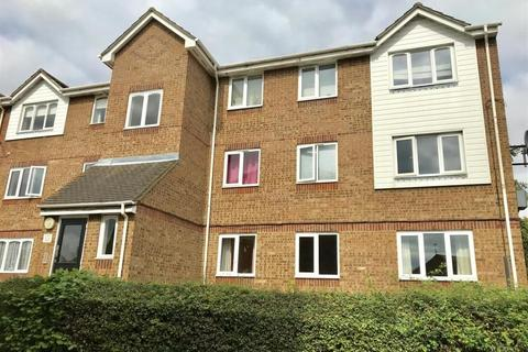 2 bedroom flat for sale - Waterville Drive, Vange, Basildon, Essex, SS16 4TZ