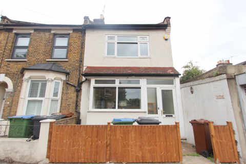 2 bedroom end of terrace house to rent - Odessa Road, Forest Gate E7