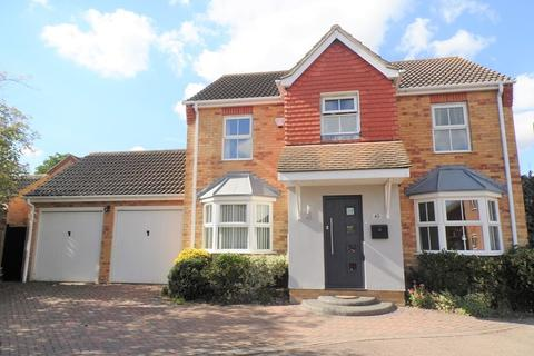 4 bedroom country house for sale - Laburnum Way, Rayleigh