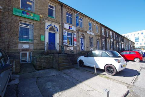 Property to rent - SOUTHBROOK TERRACE, BRADFORD, WEST YORKSHIRE, BD7 1AD