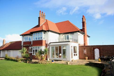 4 bedroom detached house for sale - Cayley Promenade, Rhos on Sea LL28