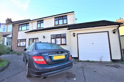 4 bedroom end of terrace house for sale - Riversdale Road, Collier Row, RM5 2NP